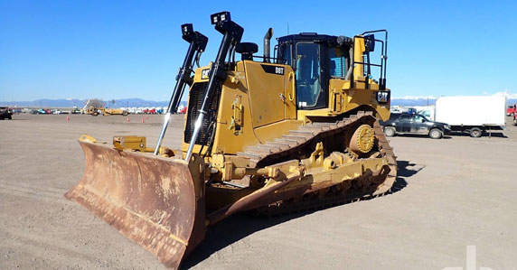 Caterpillar Crawler Tractor sold at Ritchie Bros.